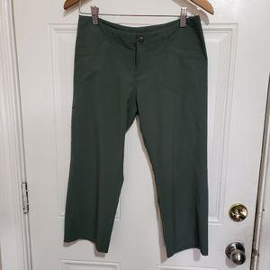 Padagonia women's light weight pants